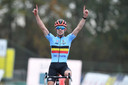 Eli Iserbyt won in Rosmalen het EK veldrijden.