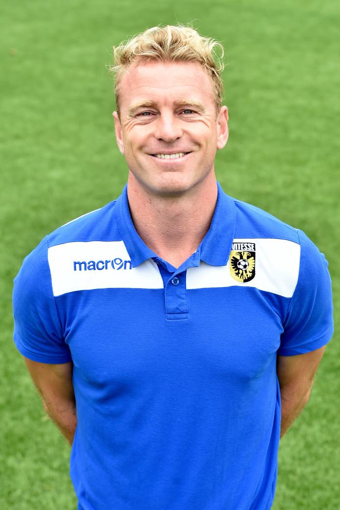 Ruud Knol, in het seizoen 2017-2018 nog assistent-trainer bij Jong Vitesse.