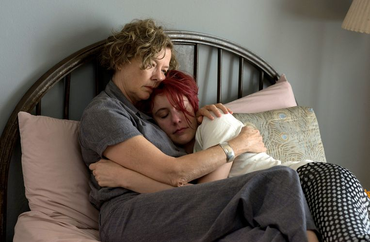 Annette Bening (links) en Greta Gerwig in 20th Century Women. Beeld