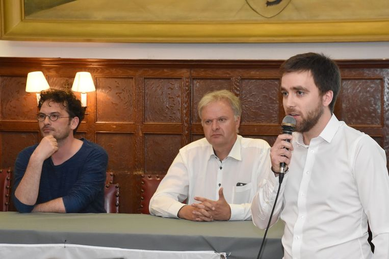 Wies Callens van de Fietsersbond, Vlaams parlementslid Dirk de Korte (CD&V) en gemeenteraadslid Adrian De Weerdt (CD&V) spraken dinsdagavond op de info-avond.
