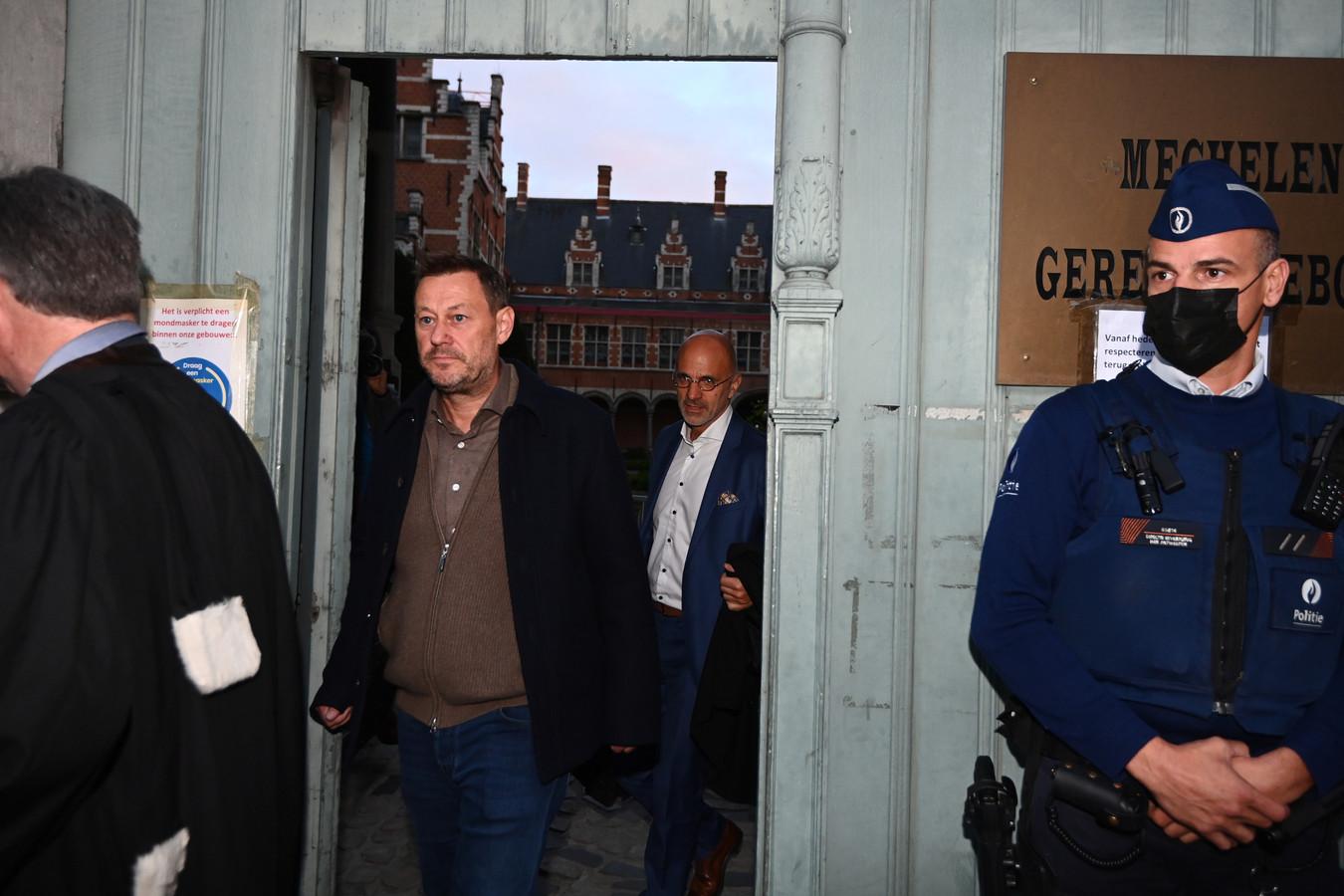 Bart De Pauw quitte le tribunal correctionnel de Malines, le 13 octobre 2021.