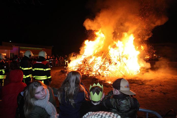 Kerstboomverbranding in Rijen.