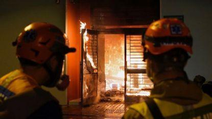 Betogers steken mogelijk coronaziekenhuis in brand