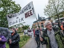 Massaal protest tegen plannen in Bronckhorst: 'Windmolens worden ons door de strot geduwd'