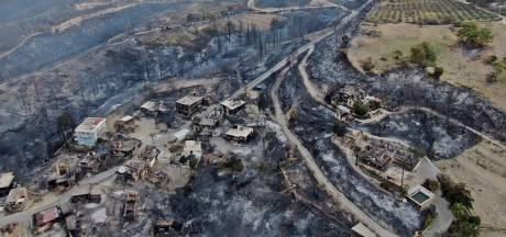 Trois morts dans un feu de forêt près d'un site touristique en Turquie