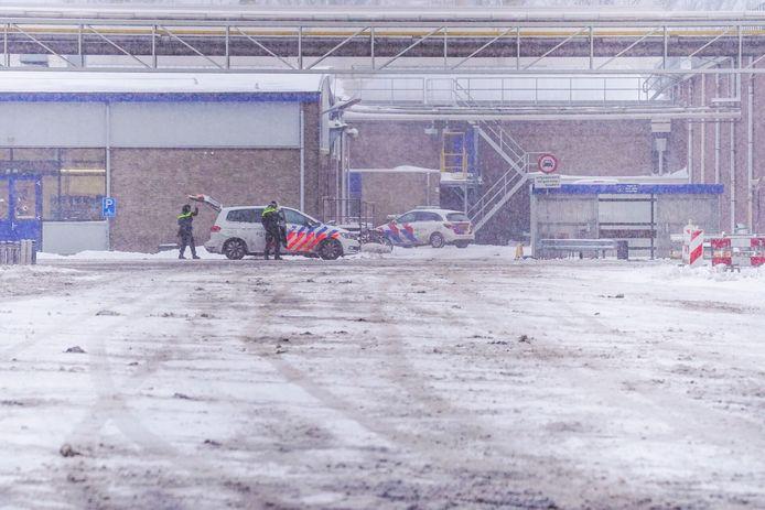 Een man is maandagmiddag gewond geraakt bij een steekpartij aan de Kanaaldijk-Zuid in Eindhoven.