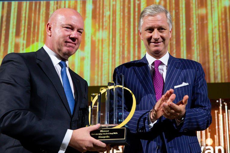 CEO van Kinepolis Eddy Duquenne ontving de award uit handen van koning Filip. Beeld BELGA