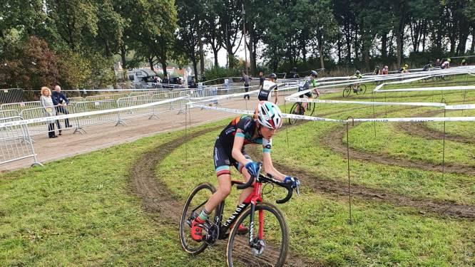 Maike Tazelaar voltooit hattrick in West-Brabantse veldritcompetitie