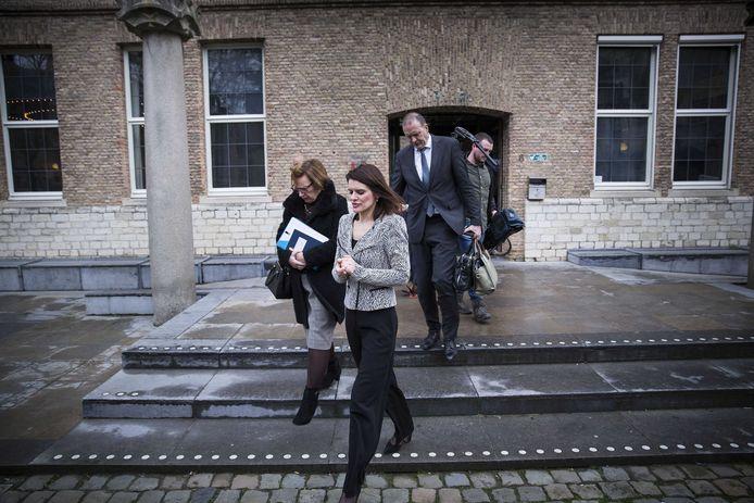 Staatssecretaris Barbara Visser van Defensie na het overleg met het bestuur van de provincie Zeeland, gemeente Vlissingen en het waterschap over de problemen rond de verhuizing van de marinierskazerne. ANP ARIE KIEVIT