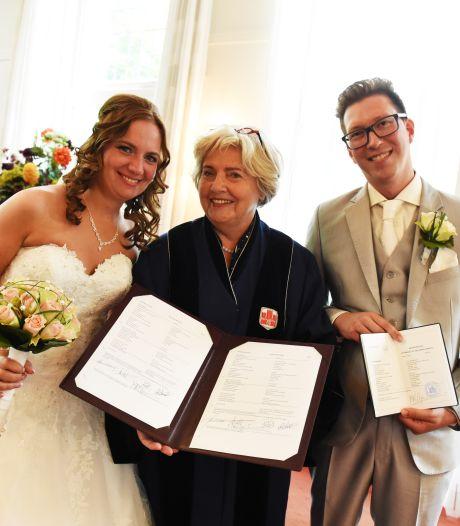 Bruidsparen kozen in Oisterwijk niet alleen voor elkaar, maar ook voor Treesje Ogier