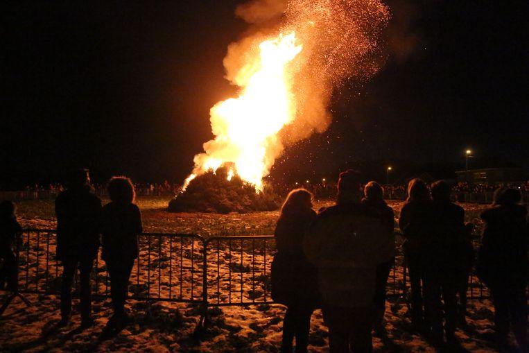 De kerstboomverbranding in Sint-Genesius-Rode lokte de voorbije edities wel altijd veel mensen.