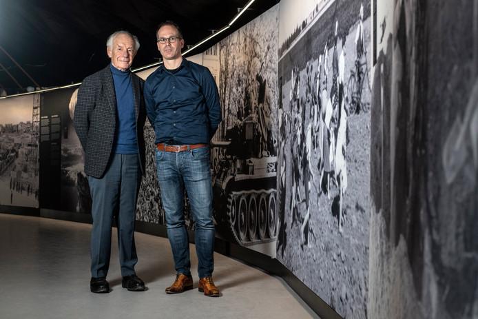 Stefan Skotnicki (links) en Martijn Vermeulen in het Vrijheidsmuseum.