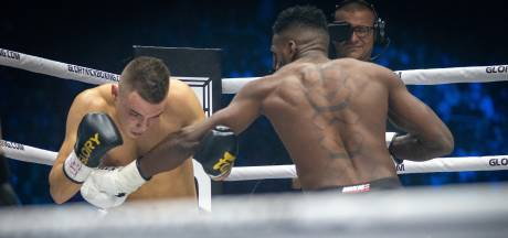 Brabantse bokspartij tijdens GLORY 62, Jaraya tegen Hageman