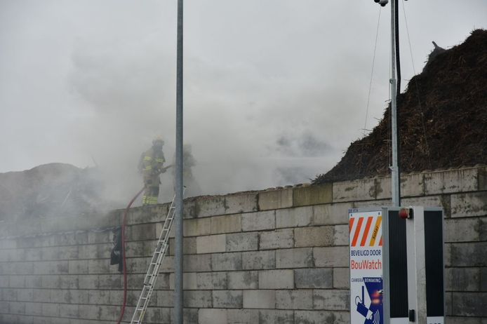 De brand bij de afvalverwerker in Duiven.