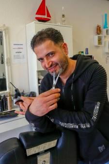 Irakese barbier pakt passie op in Budel-Schoot