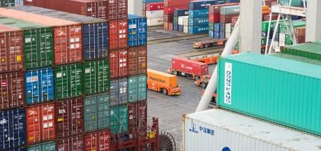 Vijftal deed volgens justitie niets anders dan cocaïne uit containers halen: 'Beveiliger liet ze binnen'
