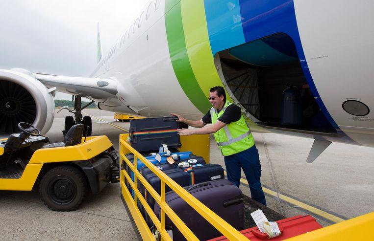 Bagage-afhandeling op Maastricht Aachen Airport. Beeld ANP XTRA