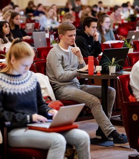 Studenten lenen steeds vaker geld: gemiddeld 700 euro per maand
