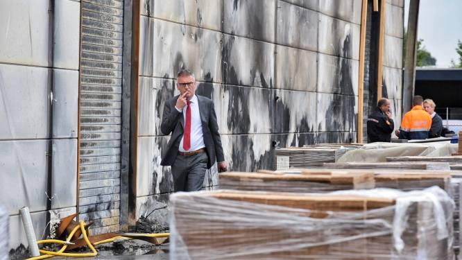 Fire-Up moet oorzaak branden aantonen van burgemeester Oisterwijk: verdachte pallets zo snel mogelijk weg