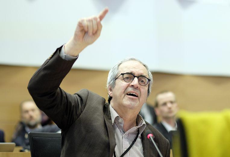 Commissievoorzitter Dirk Van der Maelen (sp.a). Beeld BELGA