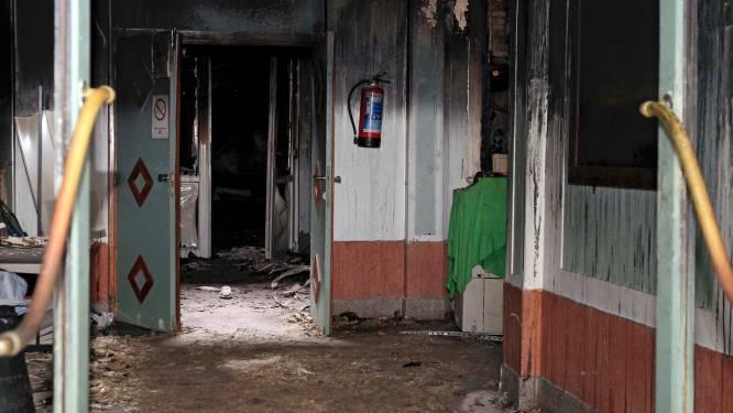 Dader aanslag moskee geeft 3 verschillende identiteiten op