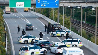 """Deense politie op zoek naar criminelen in Zweedse auto: """"Wagen moet tegen elke prijs gestopt worden"""""""