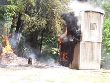 Houten hut in vlammen op in Groesbeek