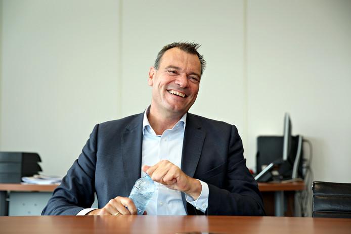 De nieuwe directeur Aad de Groot gooit de visie van zorgverzekeraar DSW niet ingrijpend om: ,,Hier hebben wij het nooit over zorginkoop. Dat wekt de suggestie dat je onderhandelt over de productie.''