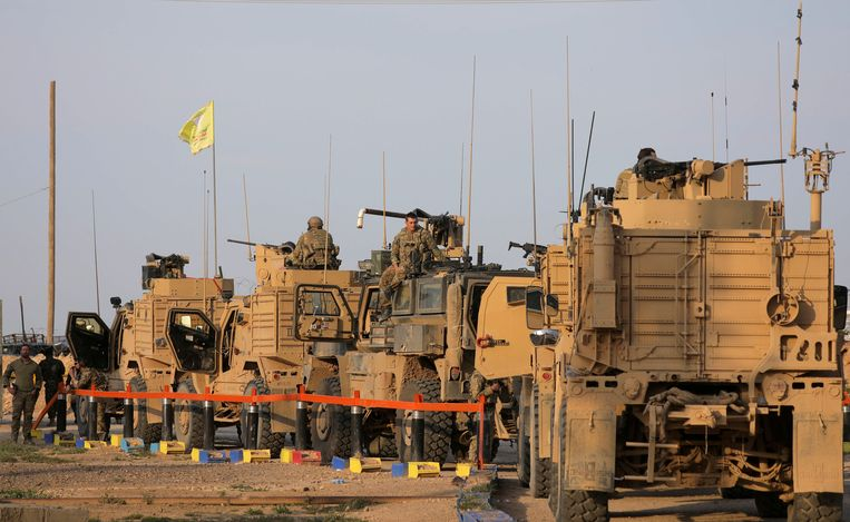 Amerikaanse soldaten bij het olieveld al-Omar. Beeld Reuters