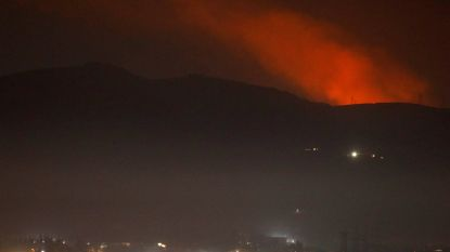 "Zware explosies in Damascus, Syrië zet luchtafweer in tegen ""vijandige doelwitten"""