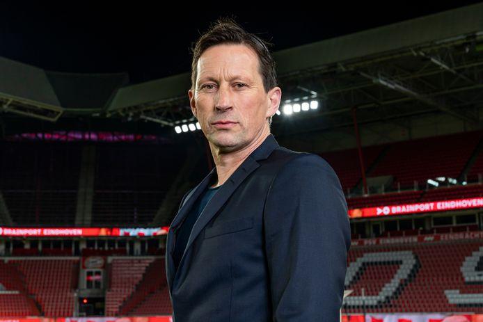 Roger Schmidt tijdens zijn aanstelling bij PSV. Maandag begint zijn klus pas echt, als PSV start met de eerste training van het nieuwe seizoen.