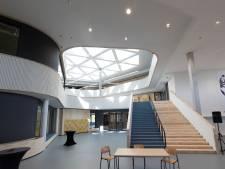 Nieuwe gebouw van 'de Knip' is nu eigenlijk te klein, veel klassen krijgen ook op oude locatie les