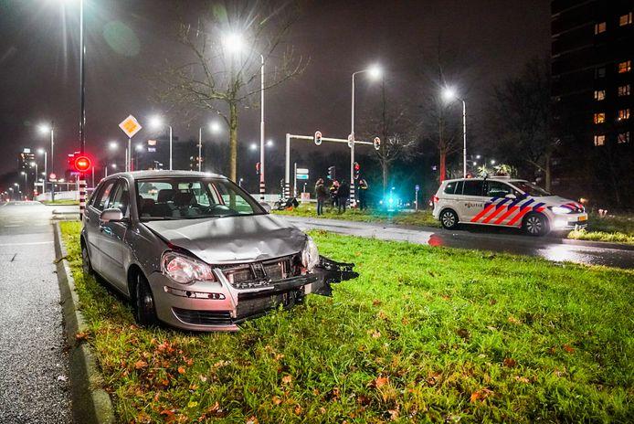 Automobilist schept maaltijdbezorger op scooter in Eindhoven