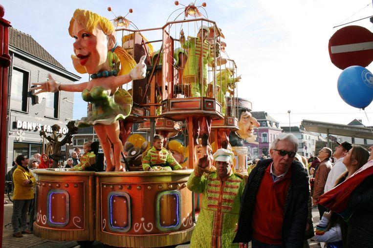 Carnavalstoet trekt door Wetteren.