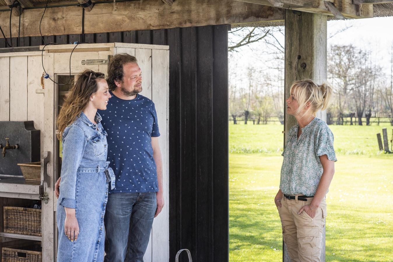 Nienke en boer Jan uit de de vorige reeks van Boer zoekt Vrouw met Yvon Jaspers