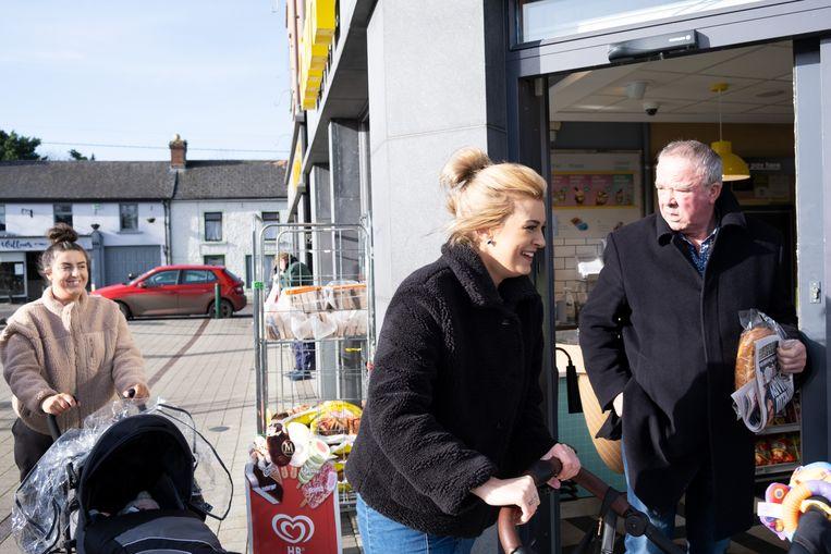 Ook in het plaatsje Kells maakt de partij Sinn Féin kans, vooral dankzij haar sociaal-economische plannen.  Beeld Sabine van Wechem