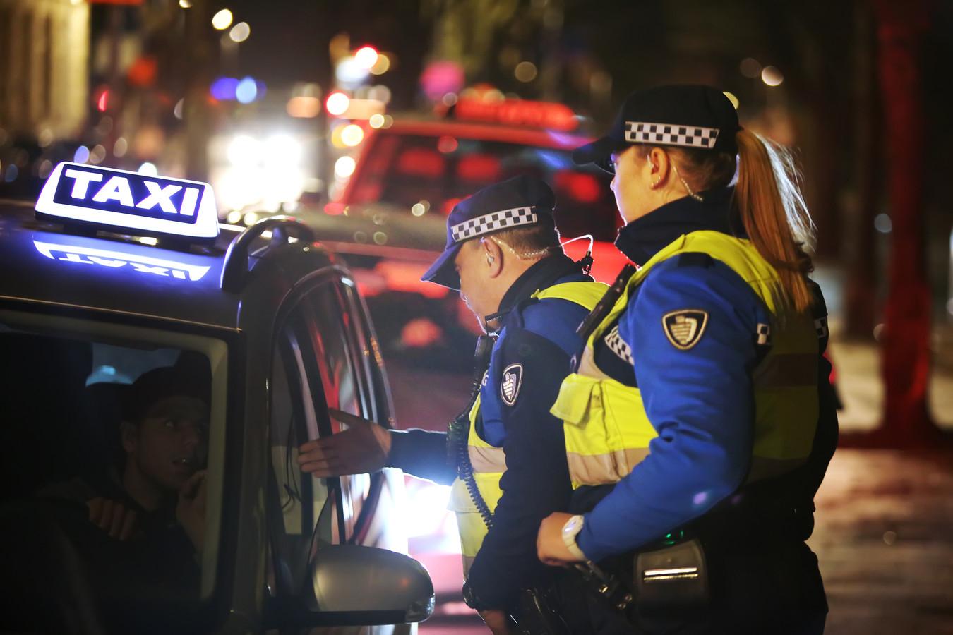 Tijdens carnaval was er extra toezicht en handhaving bij Bredase taxistandplaatsen.