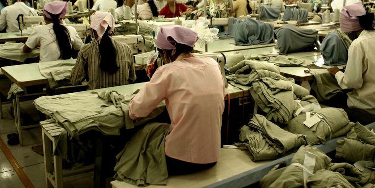 Een kledingfabriek in Zuid-Oost-Azië.  Beeld thinkstock