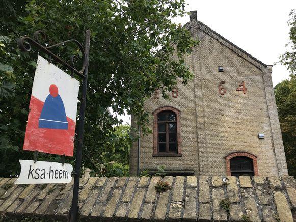 De KSA van Ichtegem vraagt de gemeente om haar lokalen, in een gebouw uit het jaar 1864, te renoveren.