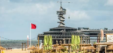 'Gevaarlijke' zee voor Haagse kust weer iets rustiger: van rood naar roodgele vlag