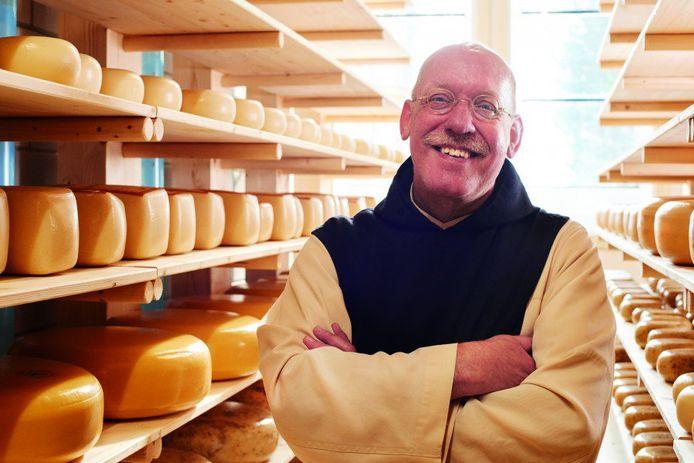 Broeder Isaac tussen zijn kaas