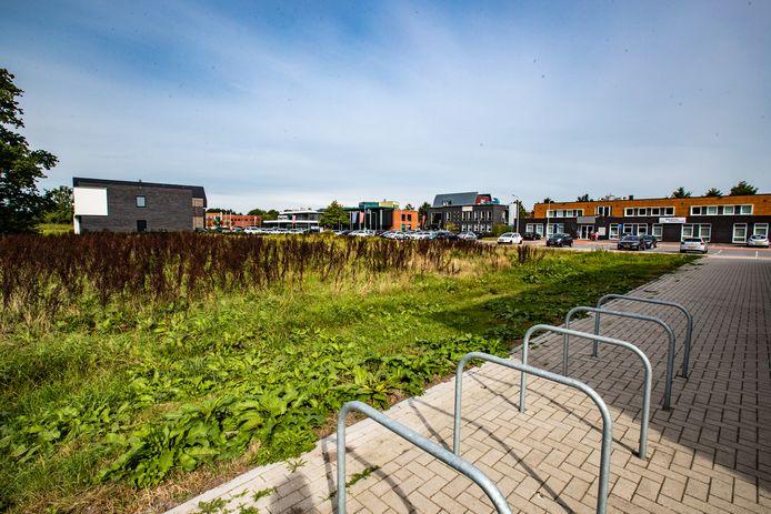 Zeven bedrijven op dit terrein in Raalte-Noord slepen de gemeente Raalte en ProFit Gym voor de rechter.