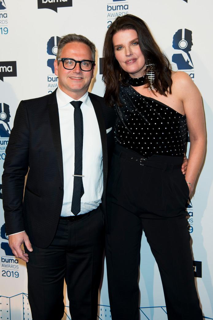 Guus Meeuwis en zijn partner Manon Meijers