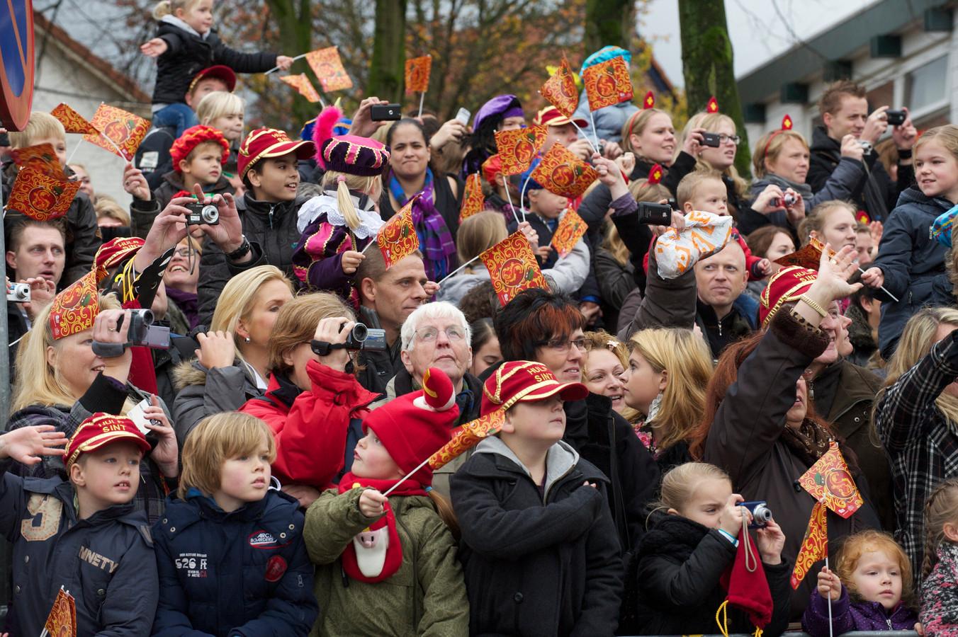 Zo'n 27.000 mensen stonden in 2010 in Harderwijk om de intocht van Sinterklaas mee te maken.
