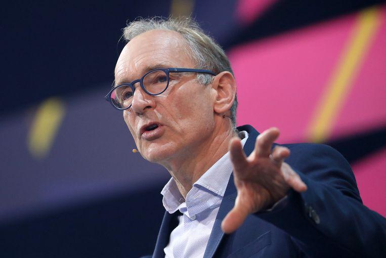 Tim Berners-Lee stelt vandaag een 'Contract for the Web' voor om zijn geesteskind te redden van de 'digitale dystopie'.  Beeld Oliver Berg/dpa