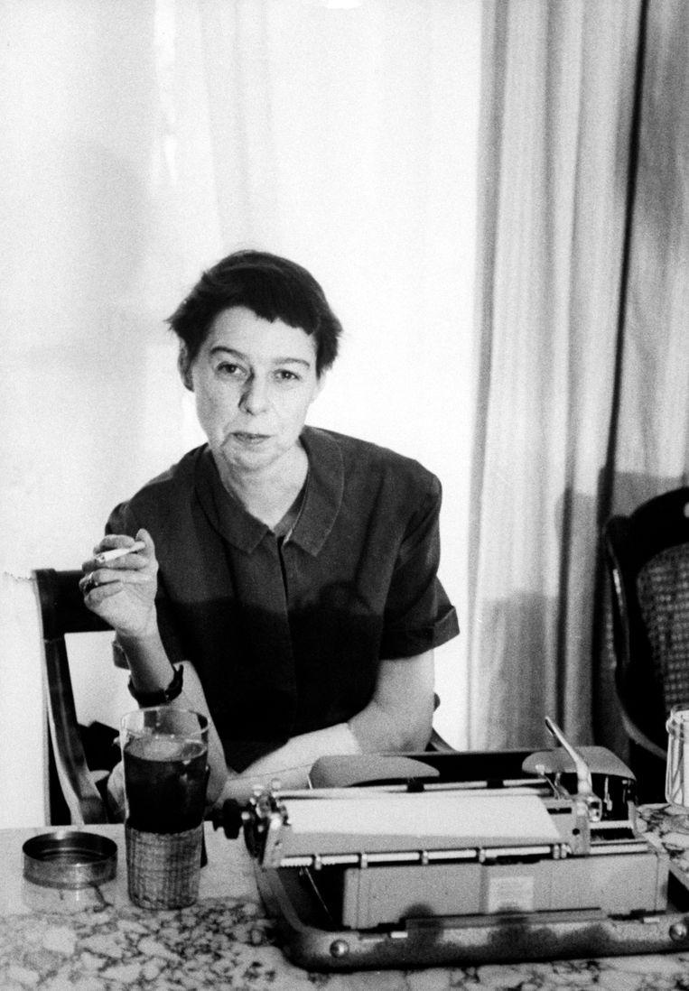 Carson McCullers in 1961. Suzanne Vega: 'Ze droeg broeken en had kort haar. Ook op het gebied van genderidentiteit was ze haar tijd dus ver vooruit.' Beeld The LIFE Picture Collection/Getty Images