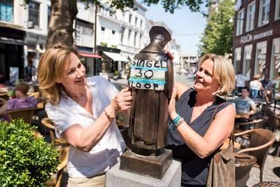 Anonieme tip: gestolen beeldje Sint Ivo is in brandgang teruggevonden