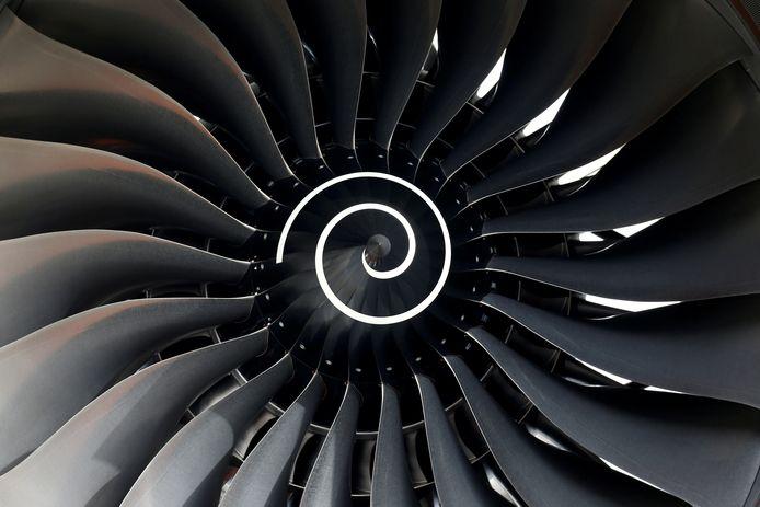 Rolls-Royce kampt door de coronacrisis met minder bestellingen van vliegtuigmotoren.