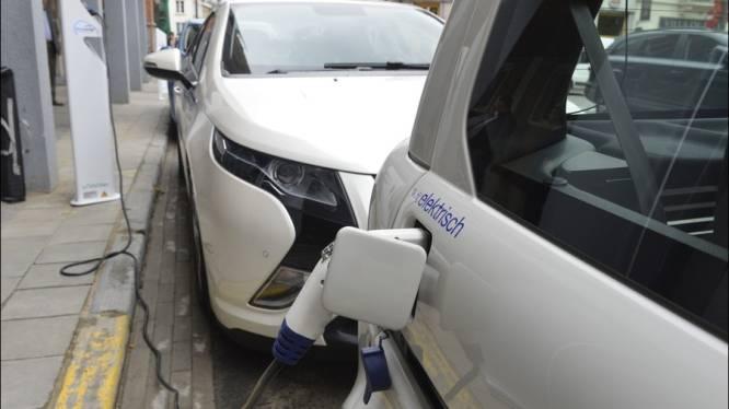 Leuven neemt oplaadeiland voor elektrische voertuigen in gebruik