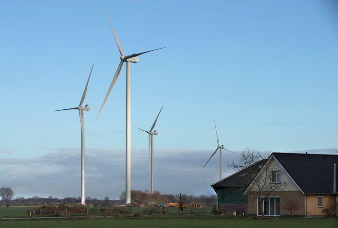 In het buitengebied van Angerlo zijn vorig jaar vier windmolens geplaatst.